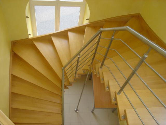conception fabrication et ralisation d 39 escaliers sur. Black Bedroom Furniture Sets. Home Design Ideas