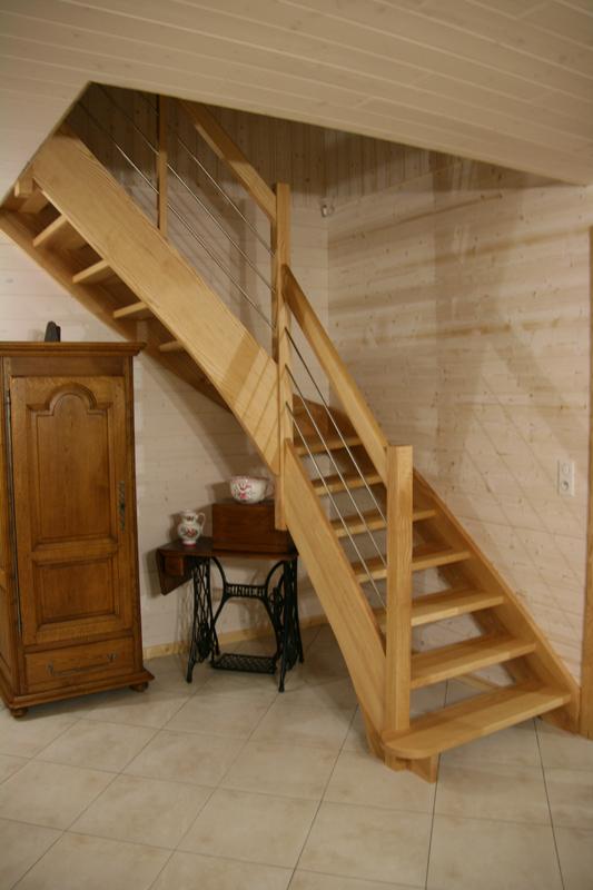 Menuiserie didierjean fabricant escaliers et portes fraize vosges for Comescalier pour combles